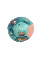 Ballon souple (petit) dans la jungle 10 mois